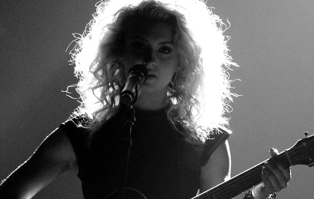 Tori Kelly's BBMAs Performance Leaves the Whole World In Awe