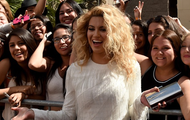 "Tori Kelly's Big Night As ""Kia's One To Watch"""