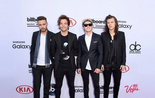 Every GIF You Need of the One Direction History Music Video