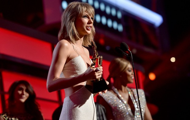 Get Ready for the 2016 BBMAs With a Look Back at 2015