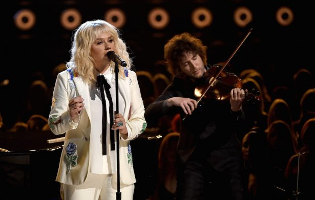 Kesha Wows with Intimate BBMAs Performance
