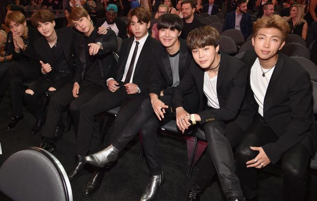 BTS Wins Top Social Artist at 2017 Billboard Music Awards