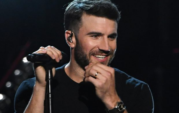Sam Hunt Does 500 in a 30 in First BBMAs Performance