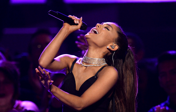 Ariana Grande Set to Open BBMAs with Performance