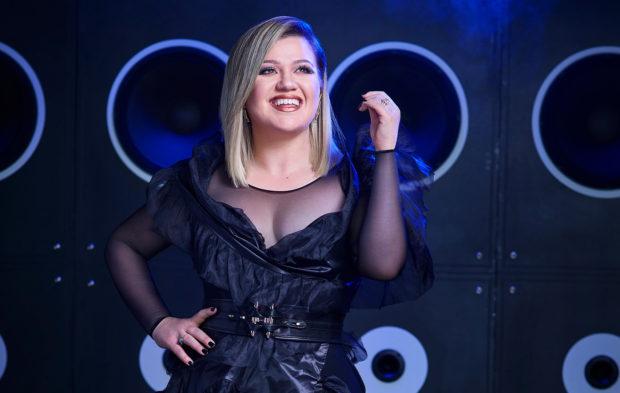 Kelly Clarkson Returns to Host 2019 Billboard Music Awards