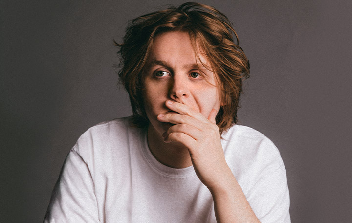 "Lewis Capaldi ""Someone You Loved"""