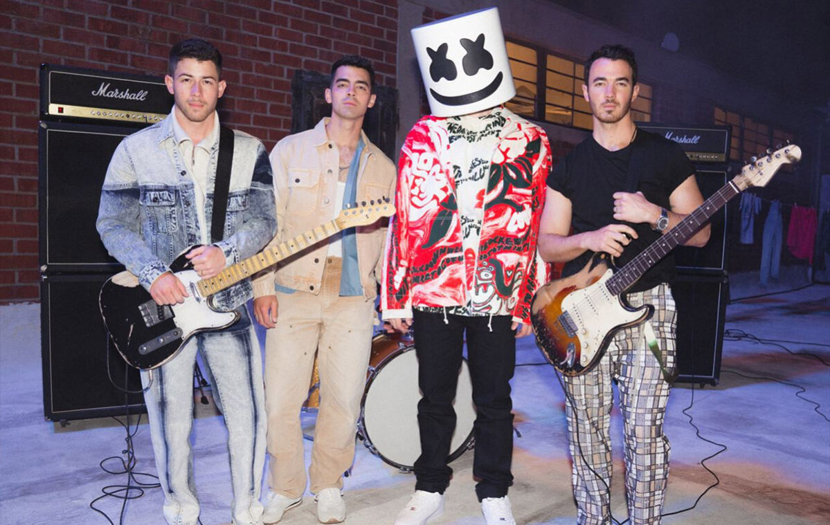 Jonas Brothers with special guest Marshmallow